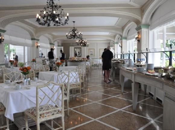 Mobiliário para bares e restaurantes